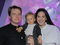 Aneta Vignerová s partnerom a synčekom.