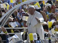 Pápež tvrdí, že mnohí si želajú, aby zomrel.