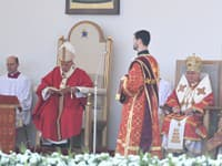 Pápež František a metropolita Ján Babjak (vparvo)