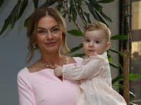 Monika Beňová s dcérkou Leu