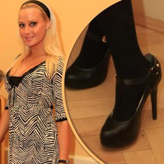 479b0f50ca Módna pohroma  Slonie topánky Mináriková úsmevom nezakryla!