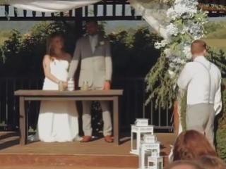 VIDEO Družička spievala mladomanželom