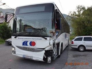 Linkový autobus narazil ráno