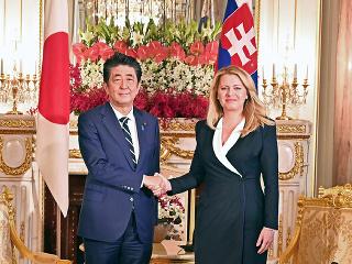 Šinzó Abe a Zuzana Čaputová