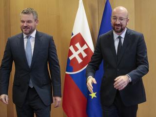 Slovenský premiér Peter Pellegrini a predseda Európskej rady Charles Michel.