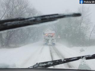 Vodiči, pozor: Sneh na