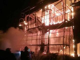 Plamene pohltili celý dom