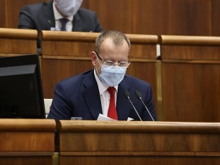Parlament opäť rokuje: Kollár