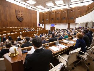 Poslanci navrhli Súdnej rade