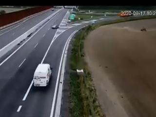 VIDEO neuveriteľného manévru na