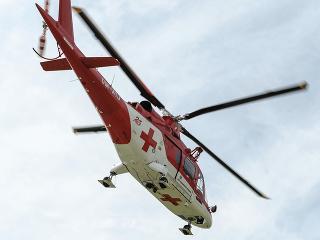 Leteckí záchranári ratovali zranenú
