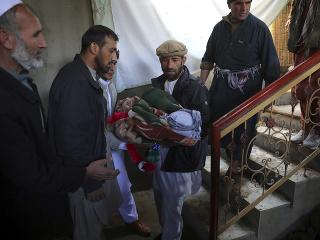 Útok si vyžiadal najmenej osem obetí na životoch a 31 zranených.