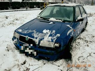 Vodič spôsobil dopravnú nehodu: