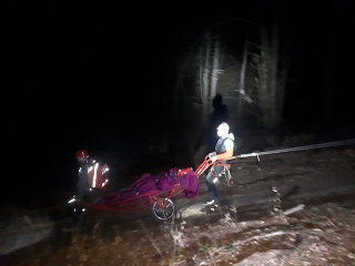 Horskí záchranári pomáhali mužovi