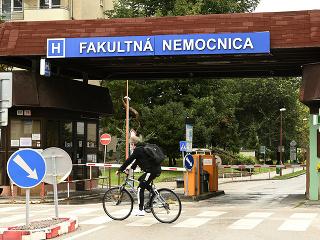 Hlavný vchod do nemocnice