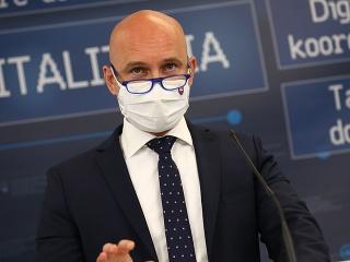 Minister školstva Gröhling: Začíname