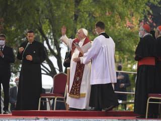 Pápež František na Luníku IX.