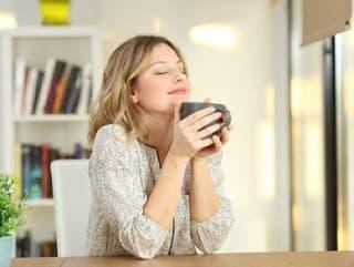 Nepite kávu hneď ráno
