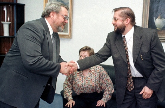 Štefana Harabina (vpravo) víta