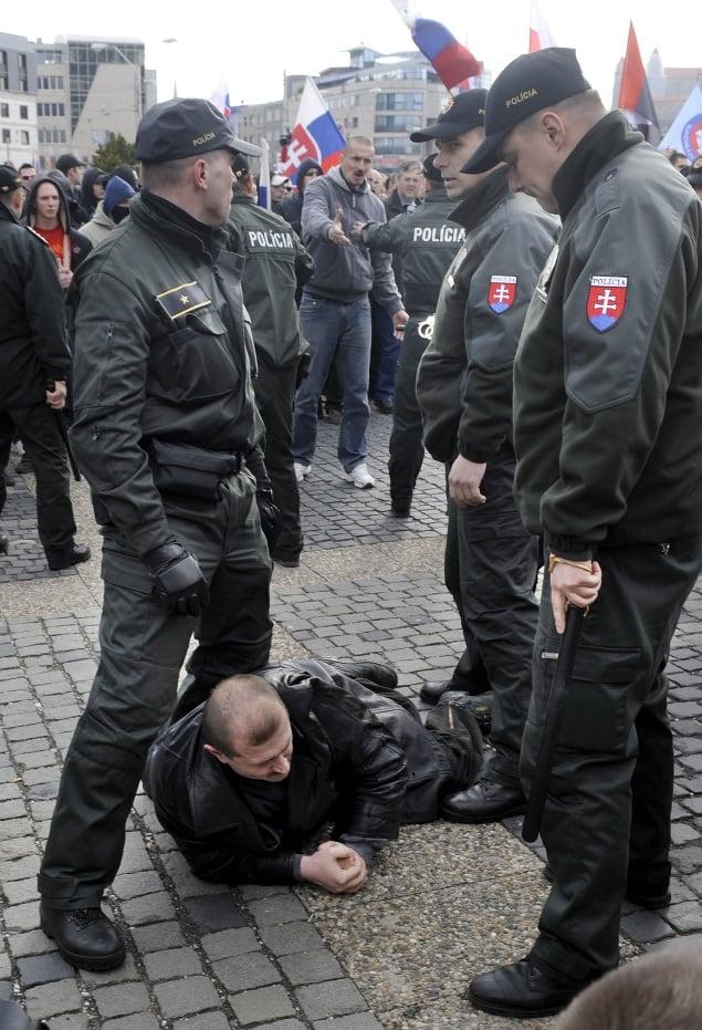 V Bratislave pred Prezidentským