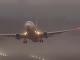 Búrka nedovolila pristáť lietadlám