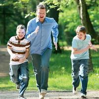 Rodina je pre Petra Sklára najdôležitejšia. So synmi Matejom a Michalom trávi každú voľnú chvíľu.