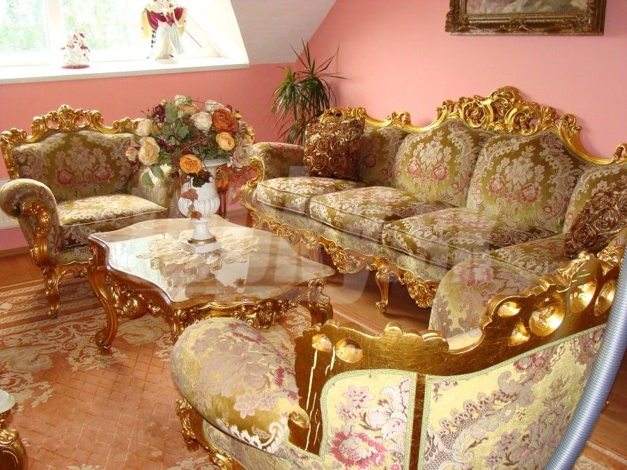 de48ae128 Luxusná vila Mojsejovcov na predaj: Po gýči ani stopa... Takto sa to ...