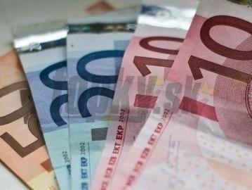 V kauze platinových sitiek obvinili tretieho muža: Bývalého šéfa úradu! | Topky.sk