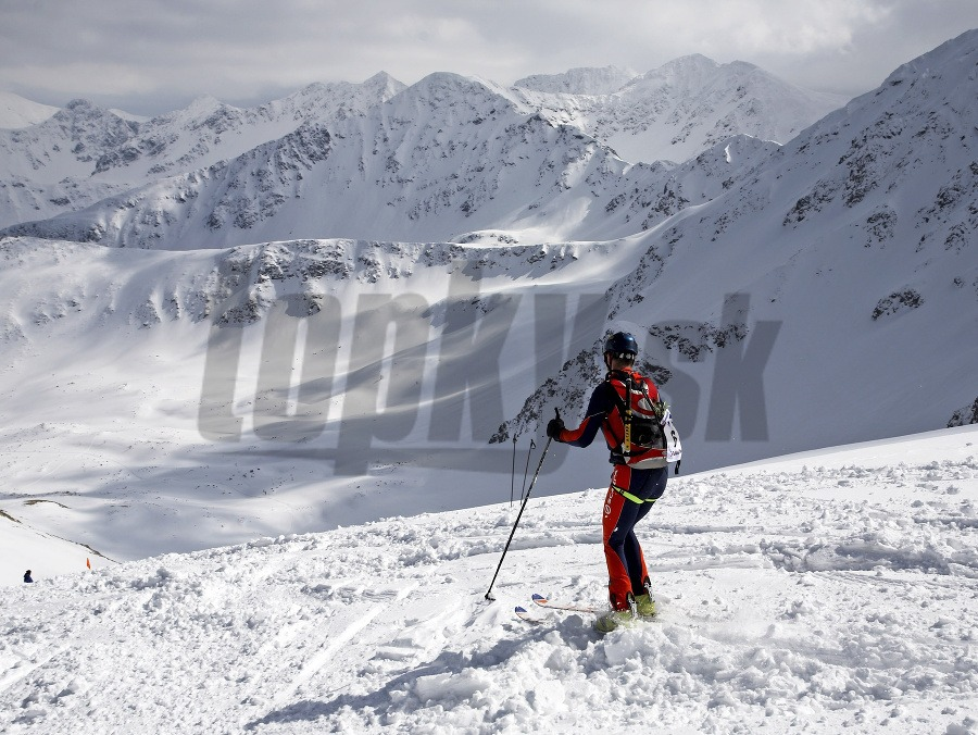 0827771fbd Nočná záchranná akcia v Nízkych Tatrách  Skialpinistov ratovali 16 ...
