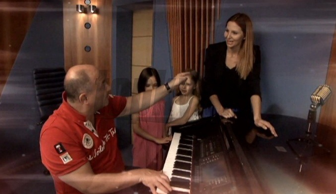 Dojmavo krsne: Karel Gott spieva s dcrkou Charlotte Elou!