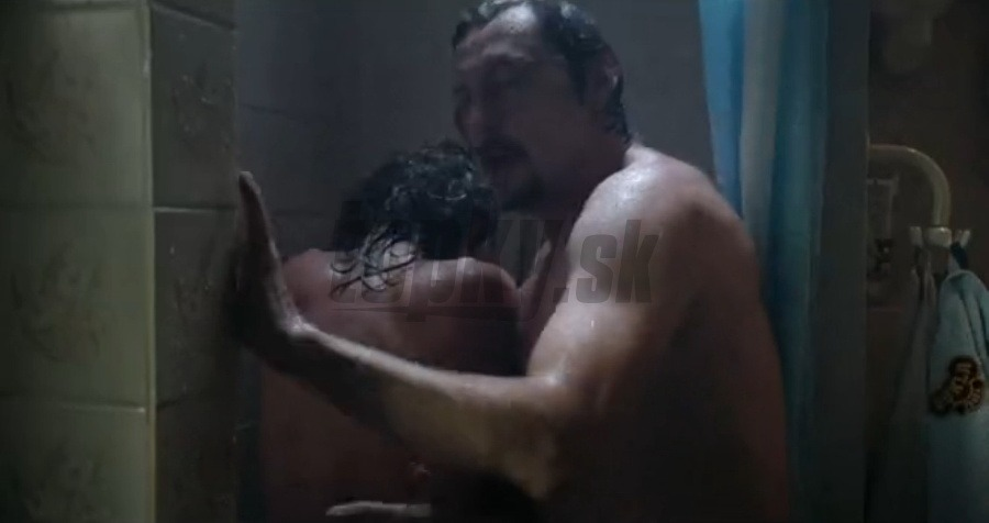Sex nahý v sprche