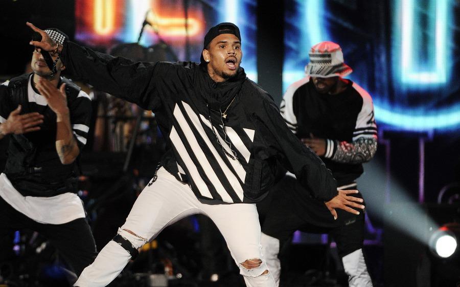 Ako veľký je Chris Brown penis