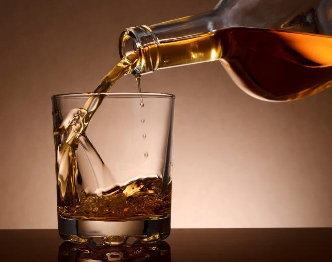 vyhodiť prácu alkoholický nápoj