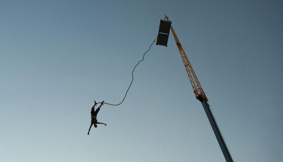 smrtiaci bungee jumping milenci si sko ili tandem ona. Black Bedroom Furniture Sets. Home Design Ideas