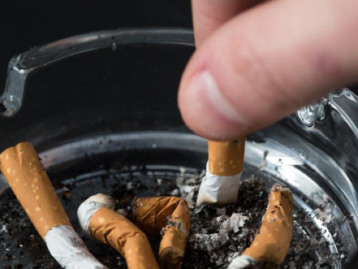 vášnivé fajčenieXXX de video