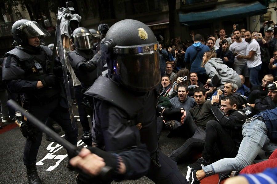 0696b3af0f51c Generálny štrajk v Katalánsku: Barcelona paralyzovaná, netrénuje ani ...
