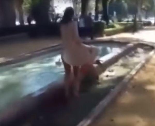 Ukáž mi videá ľudí, ktorí majú sex