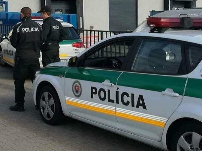Poplašná správa  Polícia prehľadávala obchodné centrum v Košiciach ... a7bfc2f07b7