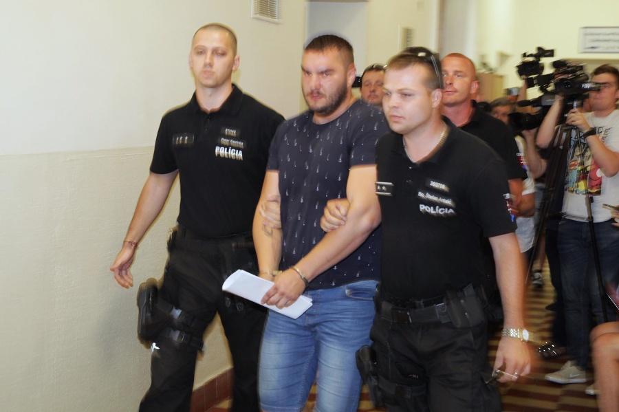 Hossu, ktorý dokopal Filipínca Henryho, je stále vo väzbe: Vyšetrovanie je na bode mrazu | Topky.sk