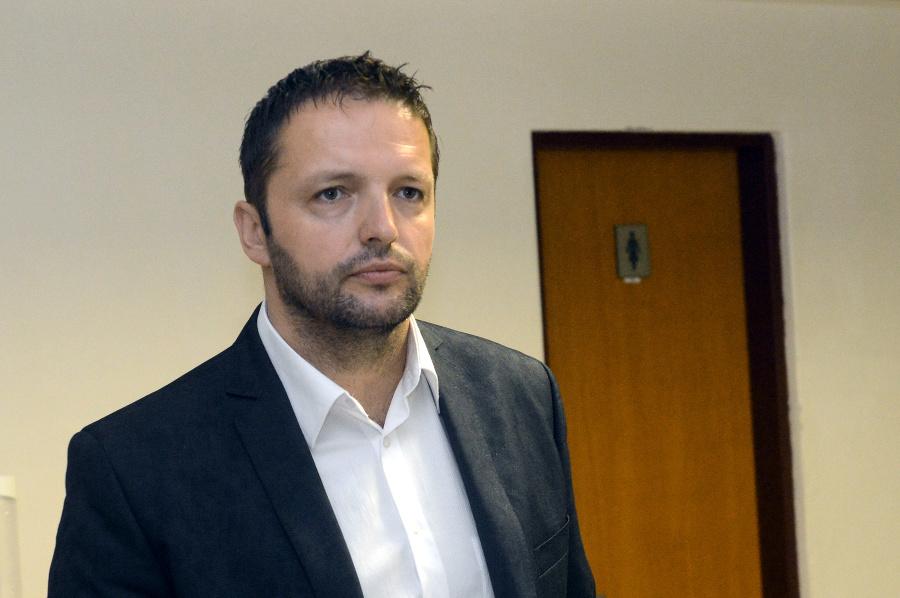 PRÁVE TERAZ Polícia zatkla hľadaného Brtvu z kauzy tunelovania BMG: Skončil v Leopoldove | Topky.sk