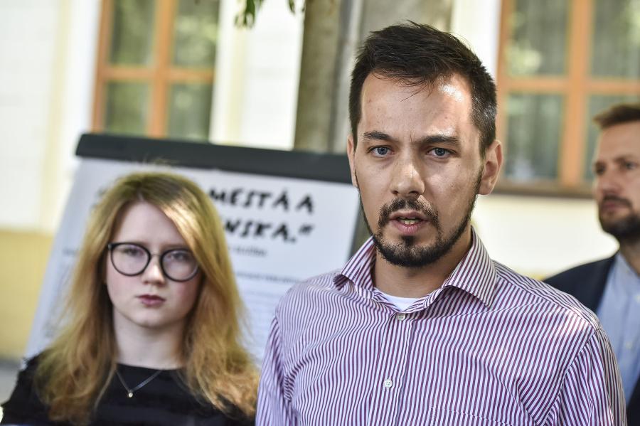 53921b951 Poslanec Fico bol vypovedať, oznámili organizátori Iniciatívy Za slušné  Slovensko | Topky.sk