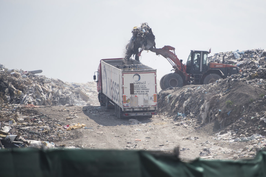 Zvrat v odpadkovej kauze Vassal EKO. Obvinený policajt pôjde na slobodu | Topky.sk