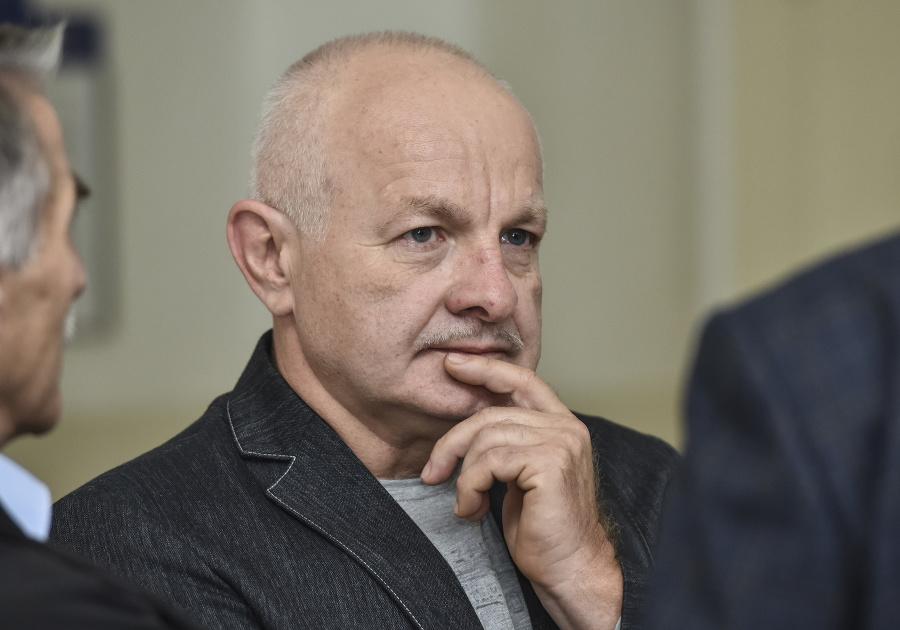 Kauza platinových sít sa stupňuje: O náhrade škody sa bude rozhodovať v civilnom konaní | Topky.sk