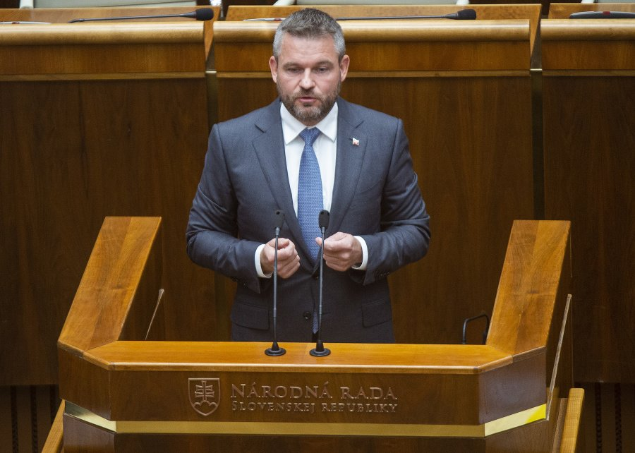 VIDEO V prípade Jankovskej som konal, ako som mal, reaguje premiér Pellegrini | Topky.sk