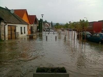 Záplavy v Píle.