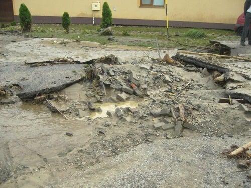 Záplavy v Doľanoch (fototip: