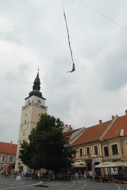 Poslanec Jozef Viskupič skočil