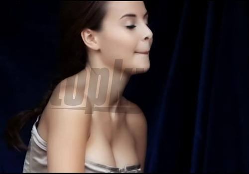 veľké prsia videoklipy