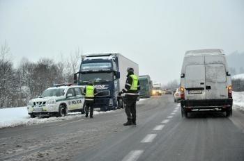 Snehové peklo pokračuje: Turzovke