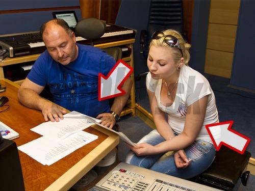 Ivanna pri nahrávaní piesne